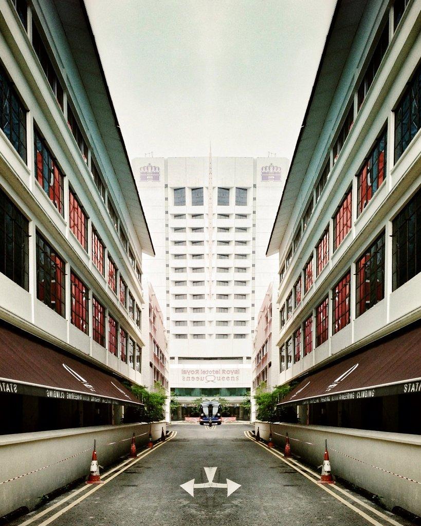 Mirror-Alley-I.jpg