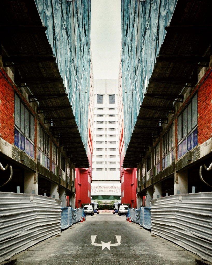 Mirror-Alley-II.jpg